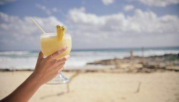 Przepisy na pyszne i zdrowe dania oraz desery z wykorzystaniem ananasa