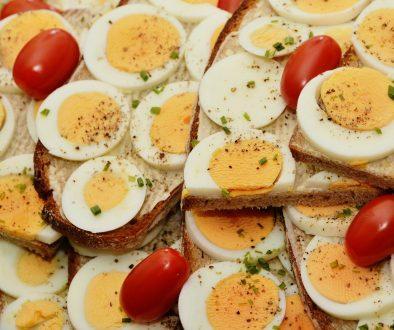 jajka na twardo na kanapki