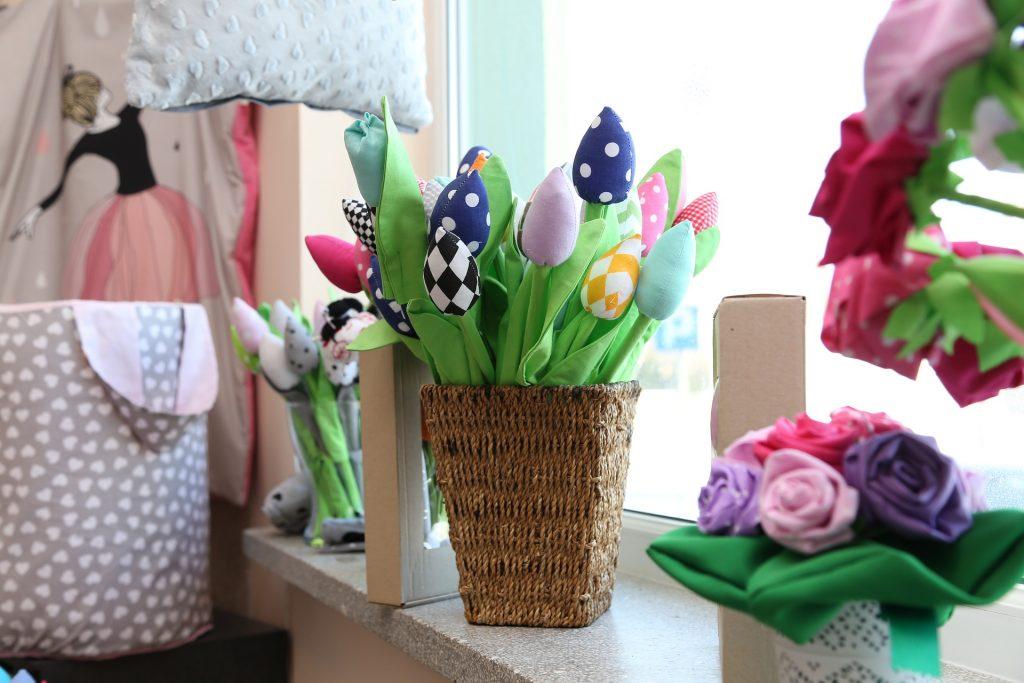 tulipany z materiału dekoracje