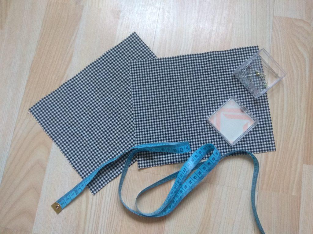 Przygotuj dwa prostokaty o wymiarach 22 cm x 18 cm